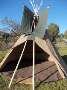 14-foot-tipi-unfurnished
